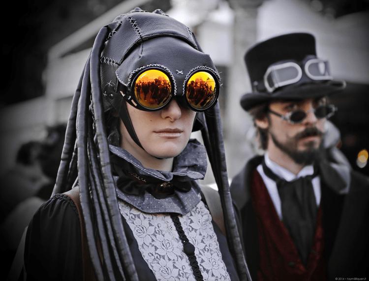 comic-con-cosplayers