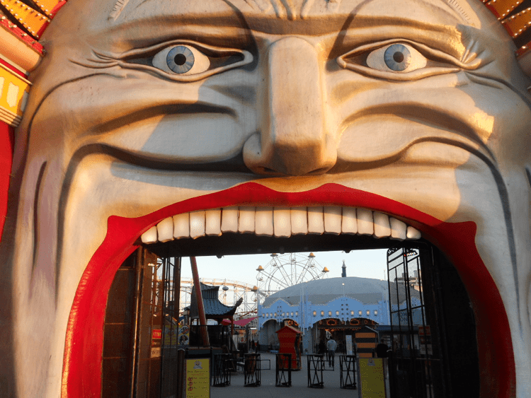 theme-park-attractions